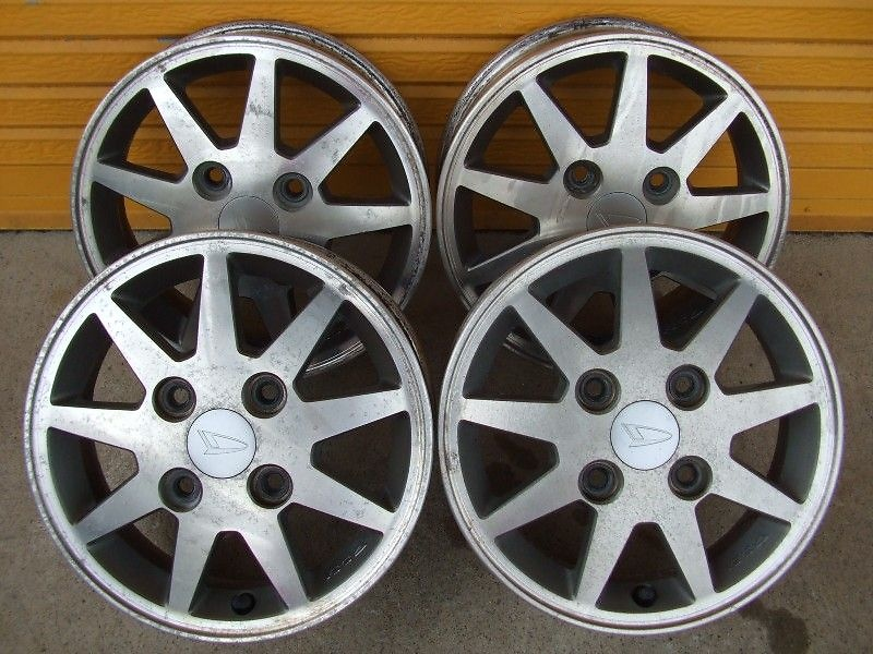 nengun-143557-00-daihatsu-move_l600_genuine_4_13-inch_wheels-fb8e9a2e89 (1)